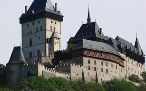 Thumbnail for Karlstejn Castle - A Popular Day Trip Destination
