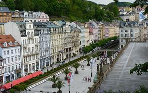 Thumbnail for One Day Trip to Karlovy Vary from Prague